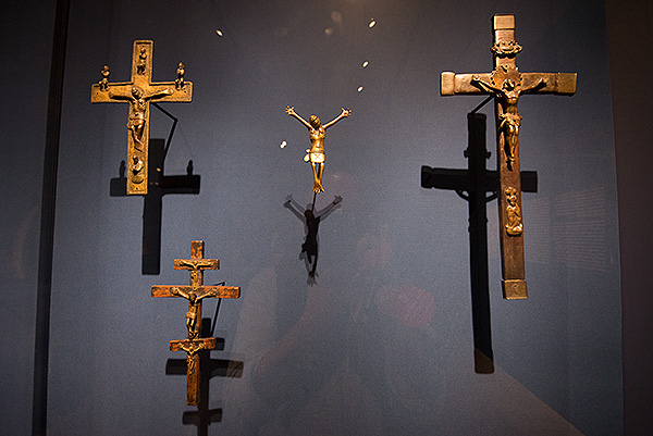 Kongo: Power and Majesty, a major exhibition at the Metropolitan Museum of Art in New York, November 2015. Crucifixes from the Kongo Kingdom, evidence of Christian influence in the Kingdom. These figures are from the 16th to the 19th centuries.